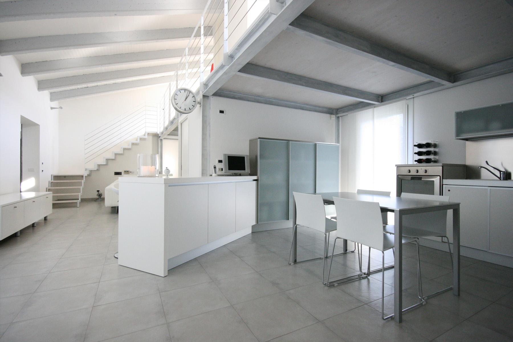 Soffitto travi a vista bianco mj65 regardsdefemmes Ambienti interni moderni